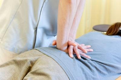 腰痛の歪み調整