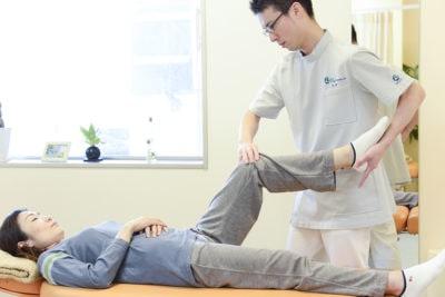 膝の痛みの施術