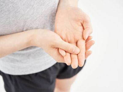 手の痺れイメージ画像