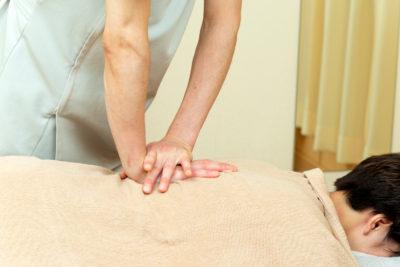 脊柱の施術